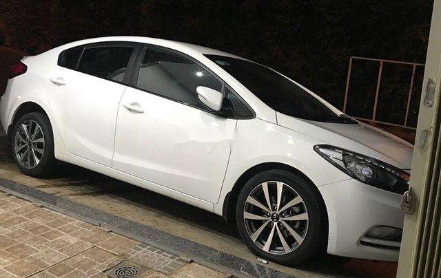 Bán Kia K3 sản xuất 2015, màu trắng còn mới, giá 390tr0