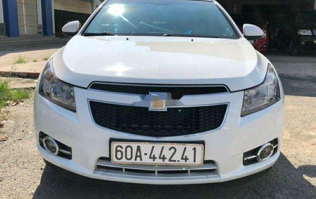 Cần bán lại xe Chevrolet Cruze năm 2014, màu trắng còn mới1