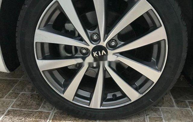 Bán Kia K3 sản xuất 2015, màu trắng còn mới, giá 390tr7