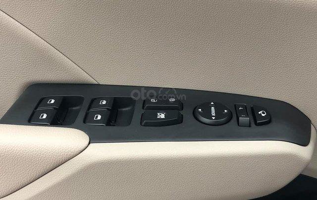 Hyundai Accent năm 2020, sẵn xe đủ màu giao ngay các bản - trả góp lên đến 85% giá trị xe - mua xe giá tốt nhất tại đây9
