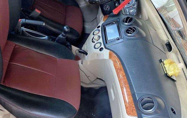 Cần bán gấp Daewoo Gentra sản xuất năm 2010, màu đen, xe nhập 6