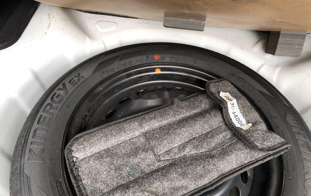 Bán xe Hyundai Grand i10 đời 2018, màu trắng 4