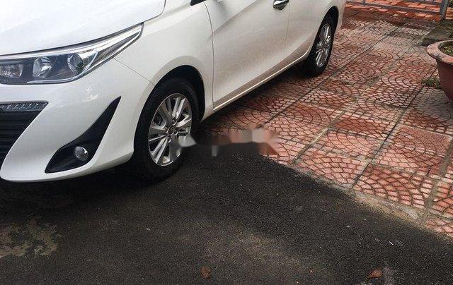 Cần bán gấp Toyota Vios năm sản xuất 2019, màu trắng, số tự động0