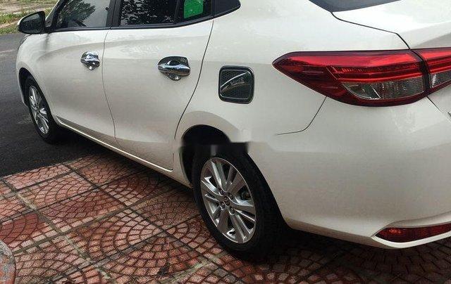 Cần bán gấp Toyota Vios năm sản xuất 2019, màu trắng, số tự động3