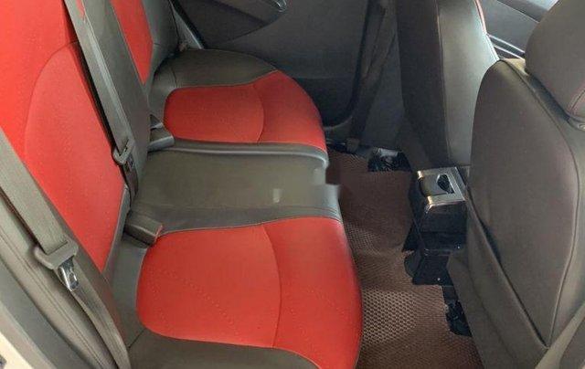 Bán Chevrolet Spark sản xuất 2015, màu trắng xe gia đình giá cạnh tranh6