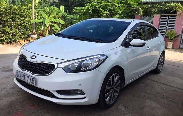 Bán Kia K3 sản xuất năm 2015, màu trắng còn mới0