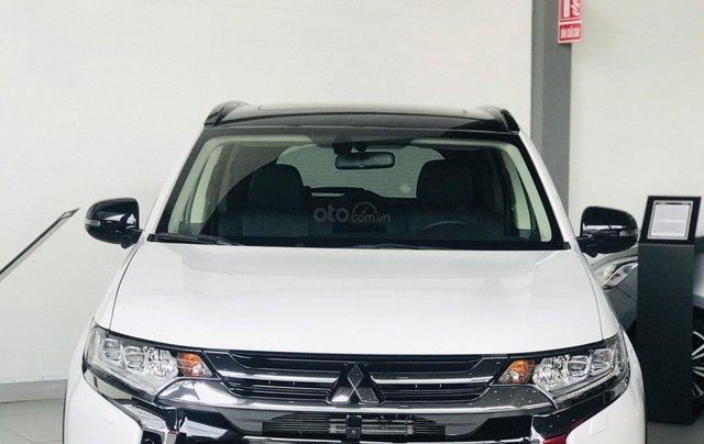 Bán xe Mitsubishi Outlander 2.4 Premium bản đặc biệt 2019, giá 900 triệu đồng1