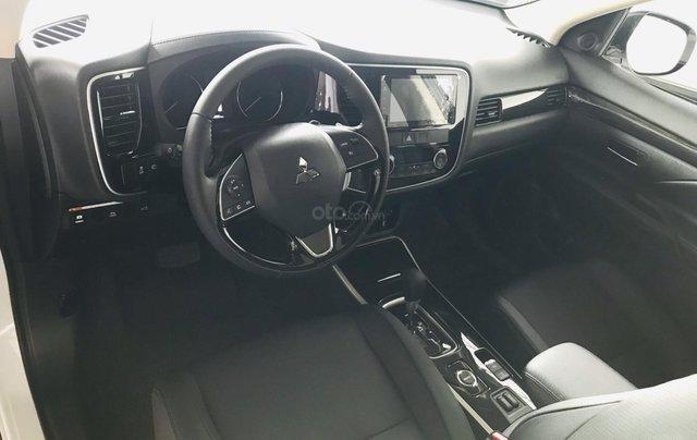 Bán xe Mitsubishi Outlander 2.4 Premium bản đặc biệt 2019, giá 900 triệu đồng3
