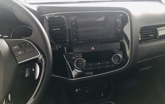 Bán xe Mitsubishi Outlander 2.4 Premium bản đặc biệt 2019, giá 900 triệu đồng14
