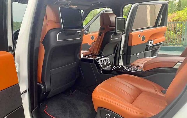 Cần bán gấp LandRover Range Rover năm sản xuất 2016, màu trắng, xe nhập  3