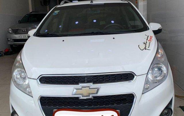 Bán Chevrolet Spark sản xuất 2015, màu trắng xe gia đình giá cạnh tranh0