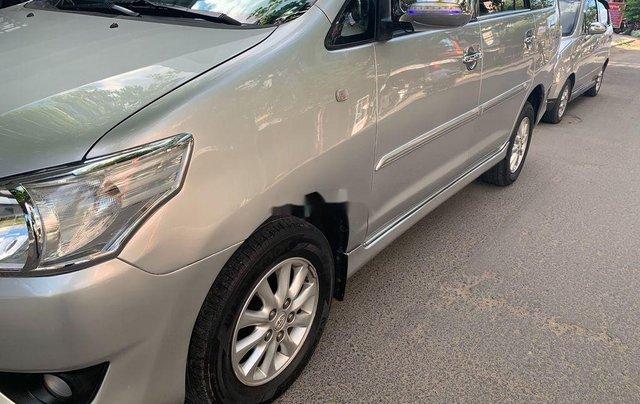 Bán Toyota Innova năm sản xuất 2013, màu vàng cát, giá 380tr2