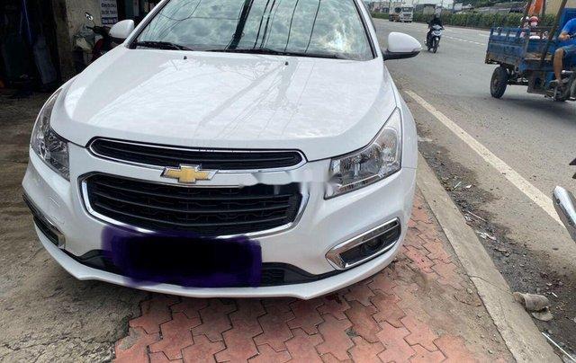 Bán ô tô Chevrolet Cruze 2015, màu trắng, số sàn0
