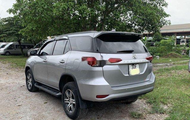 Cần bán lại xe Toyota Fortuner sản xuất năm 2017, màu ghi3