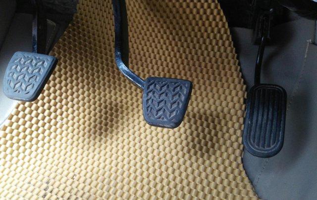 Bán xe Toyota Innova đời 2011 bản GSR, màu bạc còn mới8