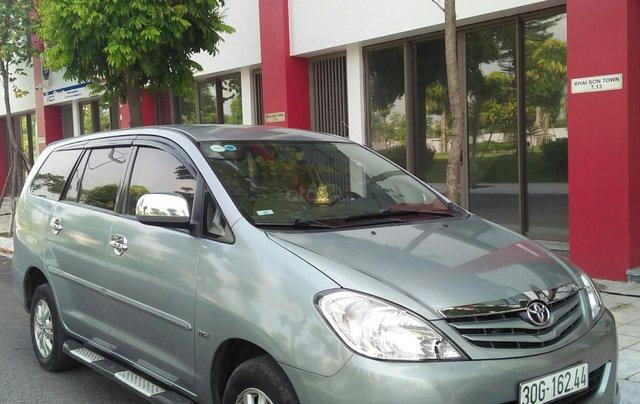 Bán xe Toyota Innova đời 2011 bản GSR, màu bạc còn mới0