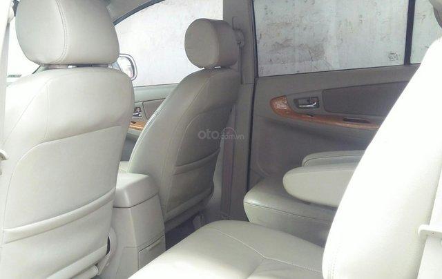 Bán xe Toyota Innova đời 2011 bản GSR, màu bạc còn mới6