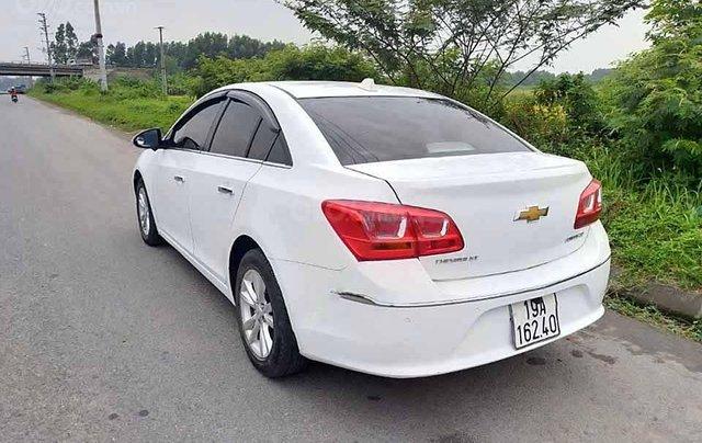 Bán Chevrolet Cruze đời 2017, màu trắng, 345 triệu3