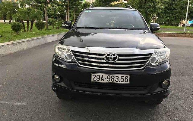 Cần bán Toyota Fortuner 2.7V 4x2 AT năm sản xuất 2013, màu đen  2