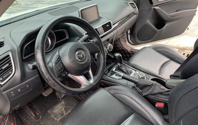 Cần bán Mazda 3 đời 2017, giá tốt, xe một đời chủ duy nhất, màu trắng còn mới7