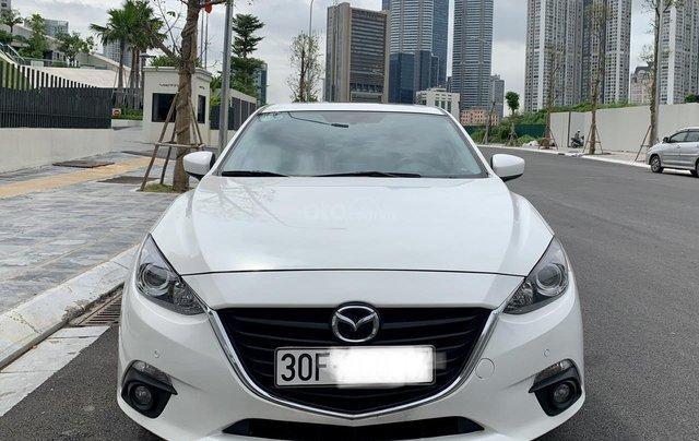 Cần bán Mazda 3 đời 2017, giá tốt, xe một đời chủ duy nhất, màu trắng còn mới0