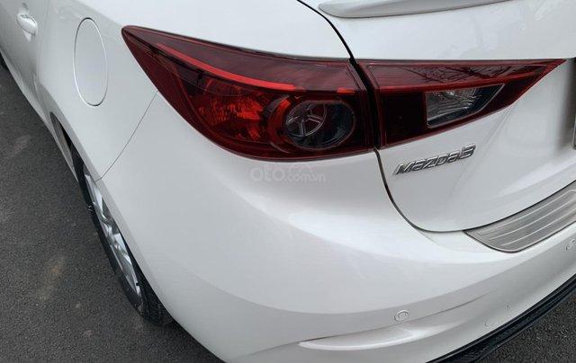 Cần bán Mazda 3 đời 2017, giá tốt, xe một đời chủ duy nhất, màu trắng còn mới9