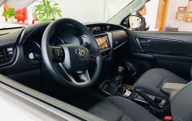 Cần bán xe Toyota Fortuner 2.4G 4x2 MT đời 2020, màu trắng2