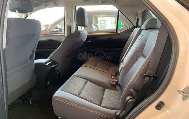 Cần bán xe Toyota Fortuner 2.4G 4x2 MT đời 2020, màu trắng1