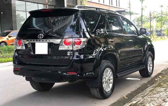 Xe Toyota Fortuner V AT 2013, màu đen còn mới  2