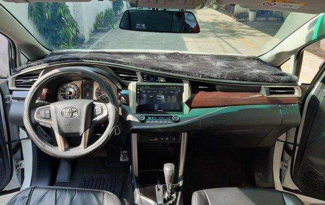 Bán xe Toyota Innova sản xuất năm 2019 còn mới4