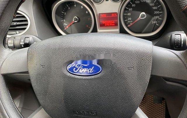 Bán Ford Focus đời 2011, màu trắng, số tự động3