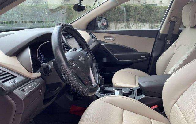 Bán ô tô Hyundai Santa Fe năm sản xuất 2017, màu trắng 4