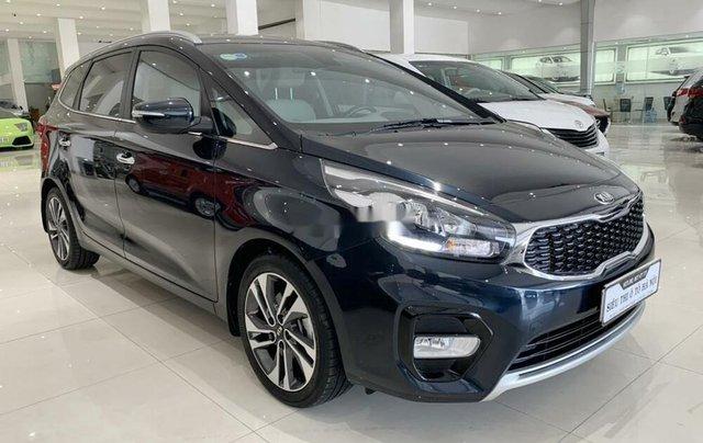 Bán ô tô Kia Rondo 2019 số tự động, màu xanh đá2