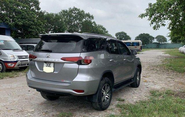 Cần bán lại xe Toyota Fortuner sản xuất năm 2017, màu ghi4