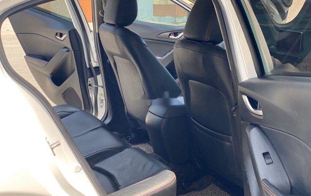 Cần bán Mazda 3 đời 2016, màu trắng, giá chỉ 495 triệu8