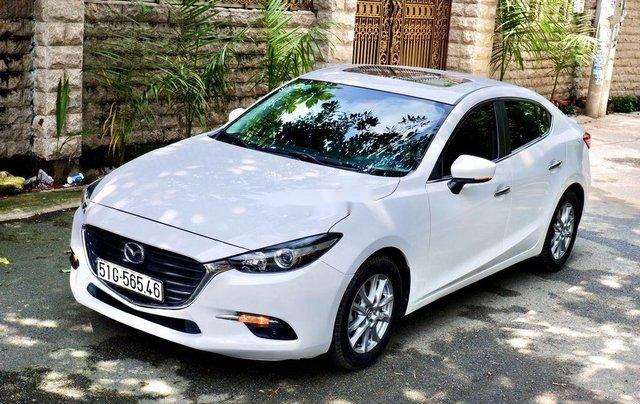 Bán xe Mazda 3 2018, màu trắng, biển Sài Gòn0