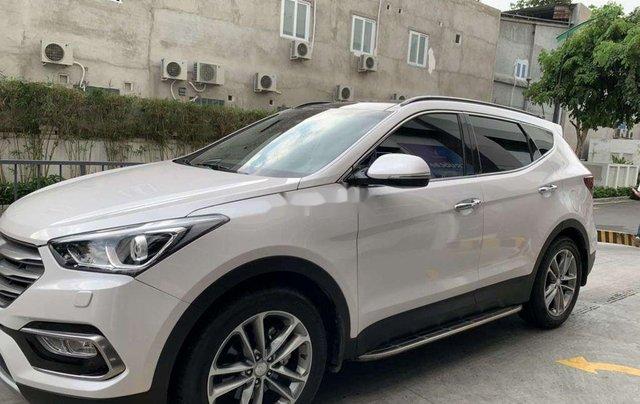 Bán ô tô Hyundai Santa Fe năm sản xuất 2017, màu trắng 0