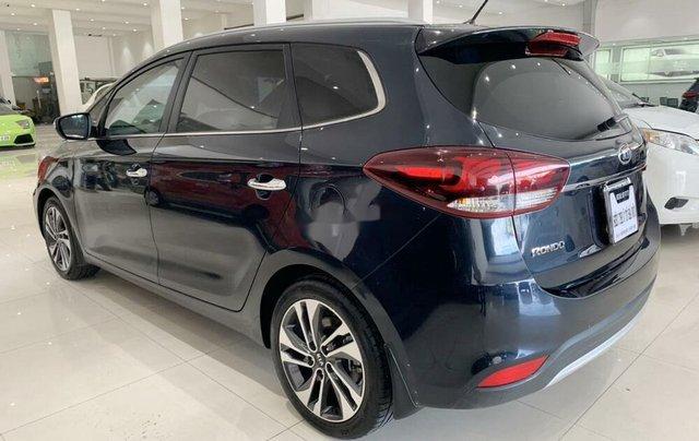 Bán ô tô Kia Rondo 2019 số tự động, màu xanh đá5