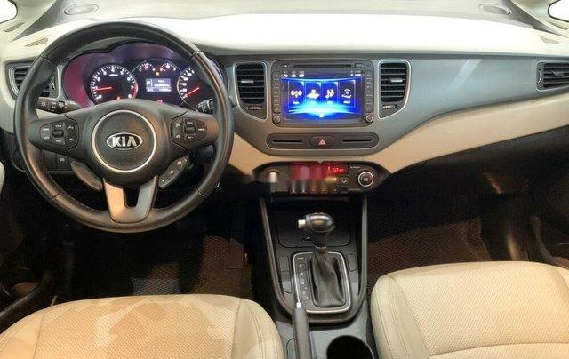 Bán ô tô Kia Rondo 2019 số tự động, màu xanh đá6