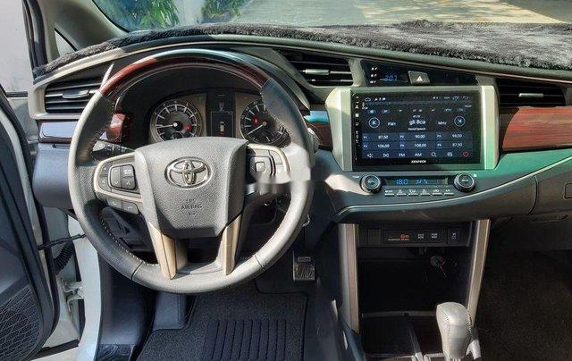 Bán xe Toyota Innova sản xuất năm 2019 còn mới5
