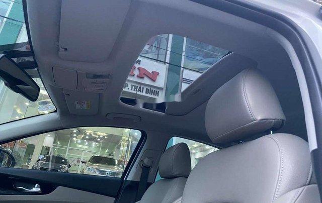 Cần bán Kia Cerato đời 2019, màu trắng, xe lướt2