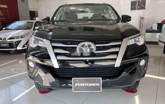 Bán ô tô Toyota Fortuner đời 2020, màu đen, mới hoàn toàn0