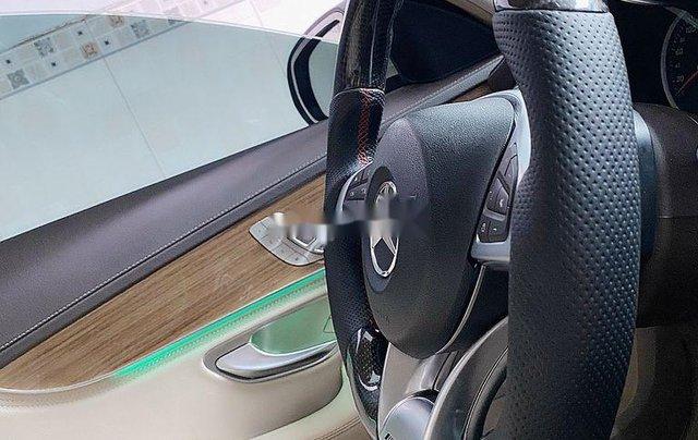 Cần bán lại xe Mercedes C250 Exlusive năm 2015, màu trắng7