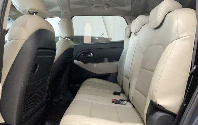 Bán ô tô Kia Rondo 2019 số tự động, màu xanh đá10