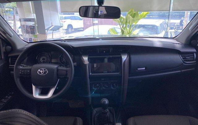 Bán ô tô Toyota Fortuner đời 2020, màu đen, mới hoàn toàn1