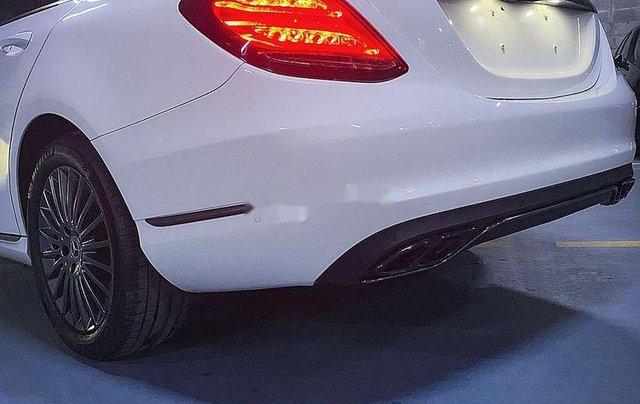 Cần bán lại xe Mercedes C250 Exlusive năm 2015, màu trắng1