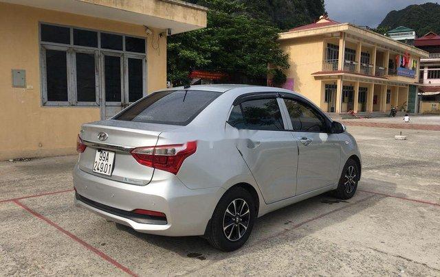 Bán Hyundai Grand i10 đời 2018, màu bạc như mới 2