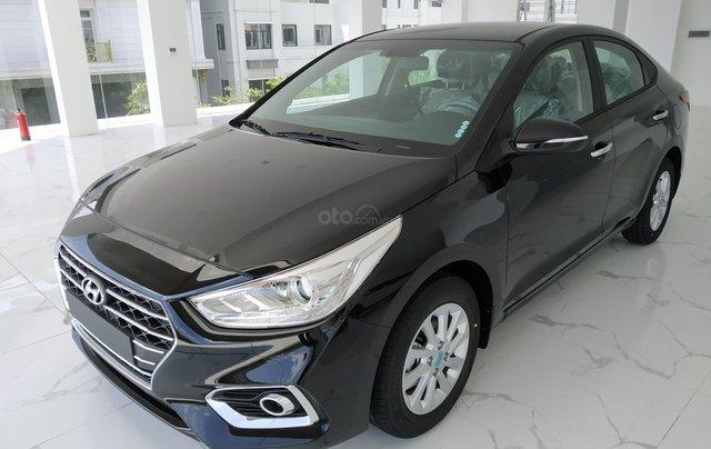 Hyundai Accent AT đầy đủ màu sắc giao ngay. Gía ưu đãi cực thấp T9 kèm theo nhiều ưu đãi và phụ kiện hấp dẫn1