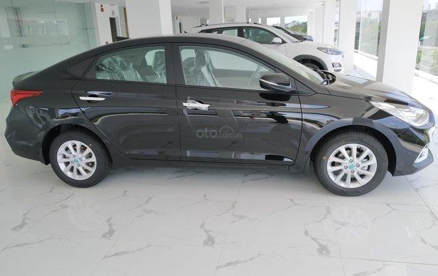 Hyundai Accent AT đầy đủ màu sắc giao ngay. Gía ưu đãi cực thấp T9 kèm theo nhiều ưu đãi và phụ kiện hấp dẫn2