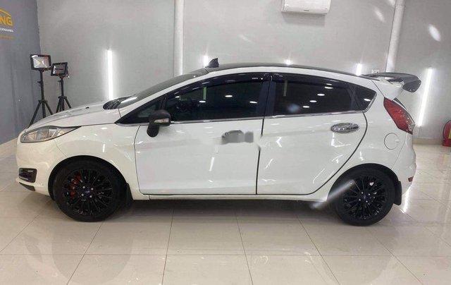 Bán xe Ford Fiesta sản xuất 2014, chính chủ, giá 345tr2